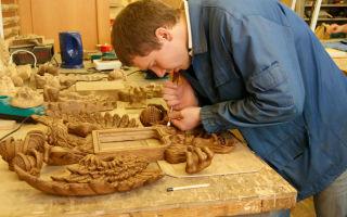 Изготовитель художественных изделий из дерева. описание профессии
